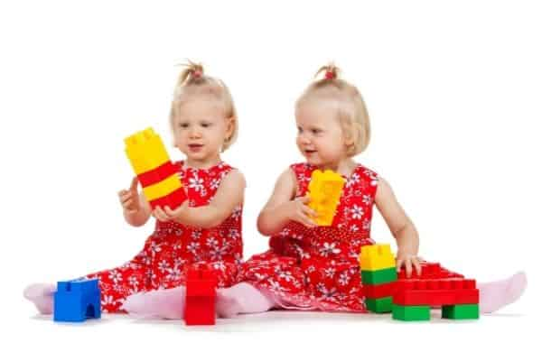 how to entertain twin toddlers